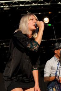 Etter at Veronica Maggio opptrådte under Bråvallafestivalen i Norrköping i sommer, ble mottok svensk politi fem voldtektsanmeldelser og 14 anmeldelser for seksuelle overgrep.